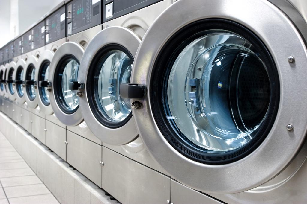 Endüstriyel çamaşır makinelerinde kumaş kanalların temizlenmesi